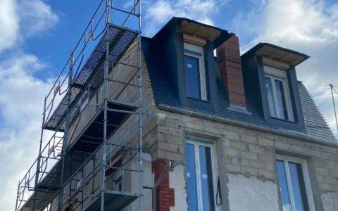 Surélevation et construction d'une toiture en ardoises à Colombes