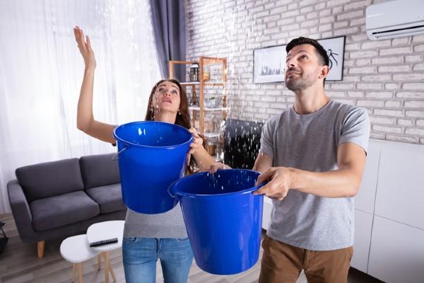 Conseils pour gérer une fuite de toiture